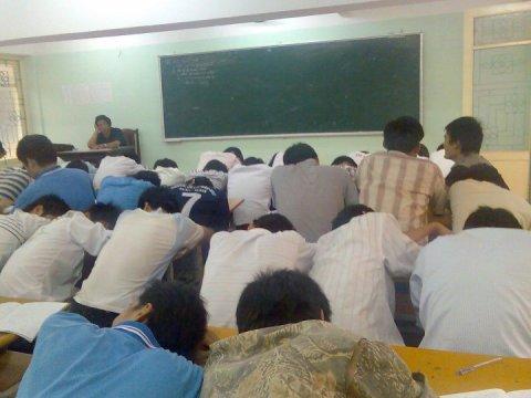 0101.vn - Khi sinh viên đi học chỉ để điểm danh